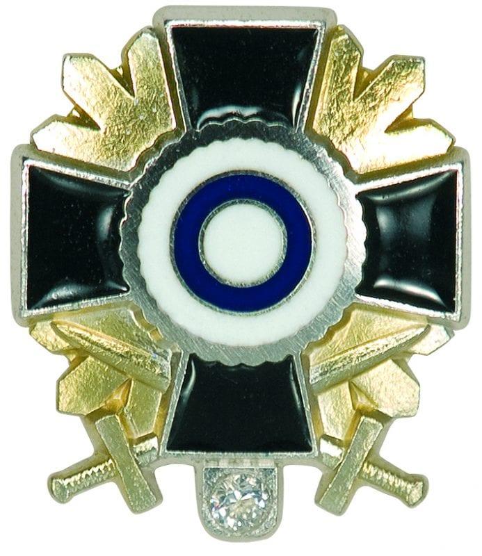 Timanttisen jäsenmerkin juhlaversio